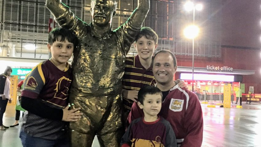 Wally Lewis statue